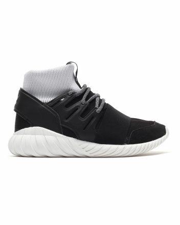 adidas Tubular Doom (zwart)