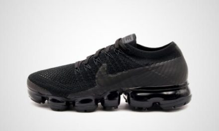 "Nike WMNS Air VaporMax Flyknit ""Triple Black 2.0"" Sneaker"
