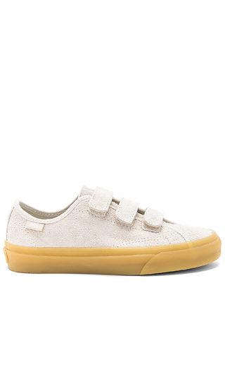 Vans Style 23 V Sneaker in Light Gray