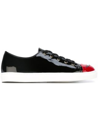 Charlotte Olympia 'Kiss Me' sneakers (zwart)