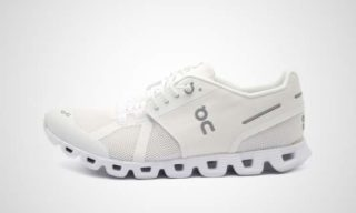 On WMNS Cloud (Wit) Sneaker
