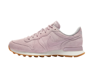 Nike Wmns Internationalist SE (Roze)