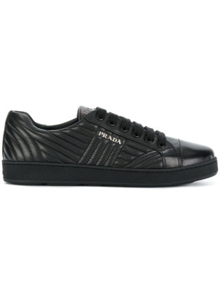 Prada bevelled low-top sneakers (zwart)