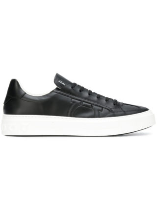 Salvatore Ferragamo textured Gancio sneakers (zwart)