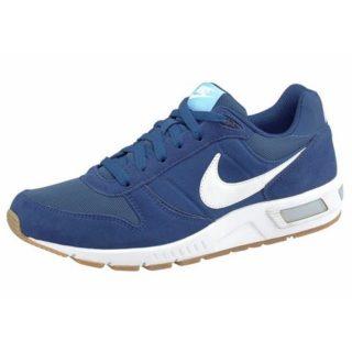 nike-sneakers-nightgazer-blauw