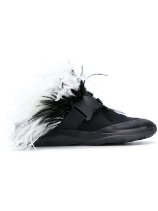 Christopher Kane sneaker slides with feathers (zwart)