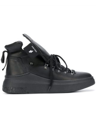 Cinzia Araia oversized tongue hi-top sneakers (zwart)