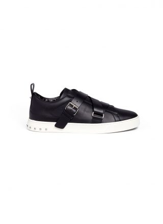 Valentino 'V-Punk' crisscross strap leather sneakers (zwart)