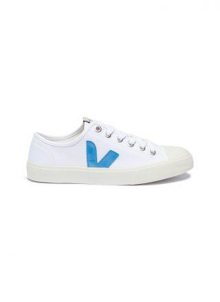 Veja 'Wata' organic canvas sneakers (wit)