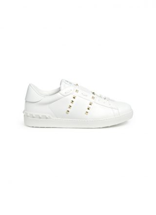 Valentino 'Rockstud Untitled 11' leather sneakers (wit)