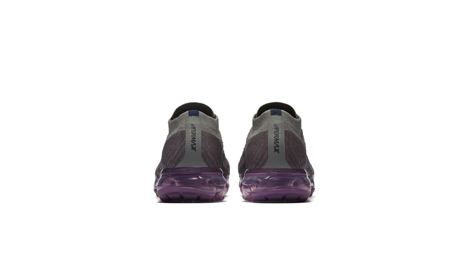 Nike Air VaporMax 899472-400