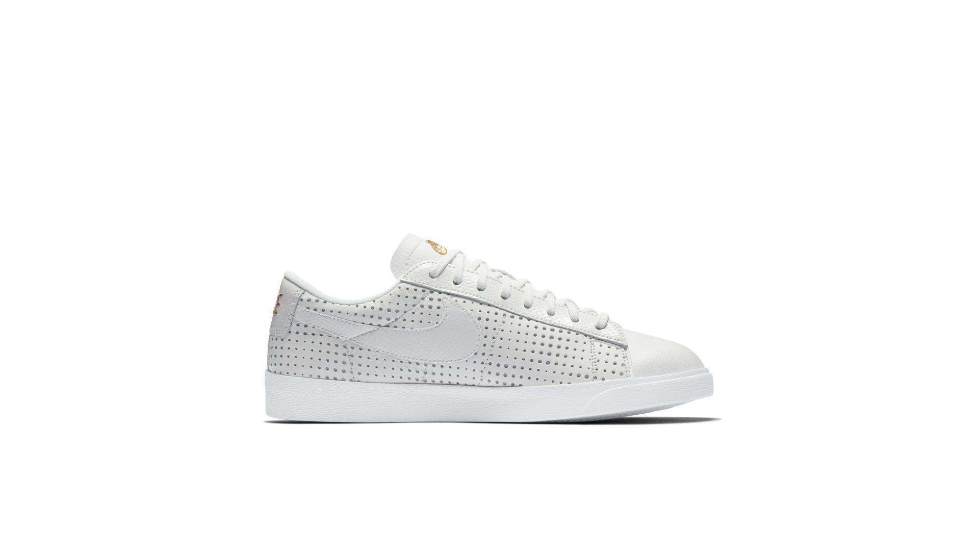 Sneaker AA1557-100