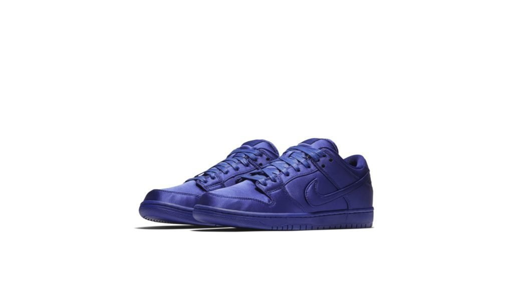 Nike SB Dunk Low 'NBA Satin' (AR1577-446)