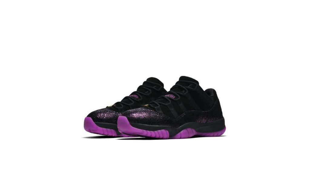 Air Jordan 11 Low 'Rook To Queen' (AR5149-005)