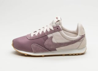 Nike Wmns Pre Montreal Racer Vntg (Light Orewood Brown / Taupe Grey -