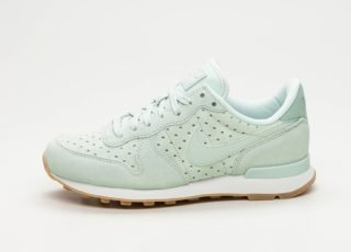 Nike Wmns Internationalist PRM (Barely Grey / Barely Grey - Light Pumi