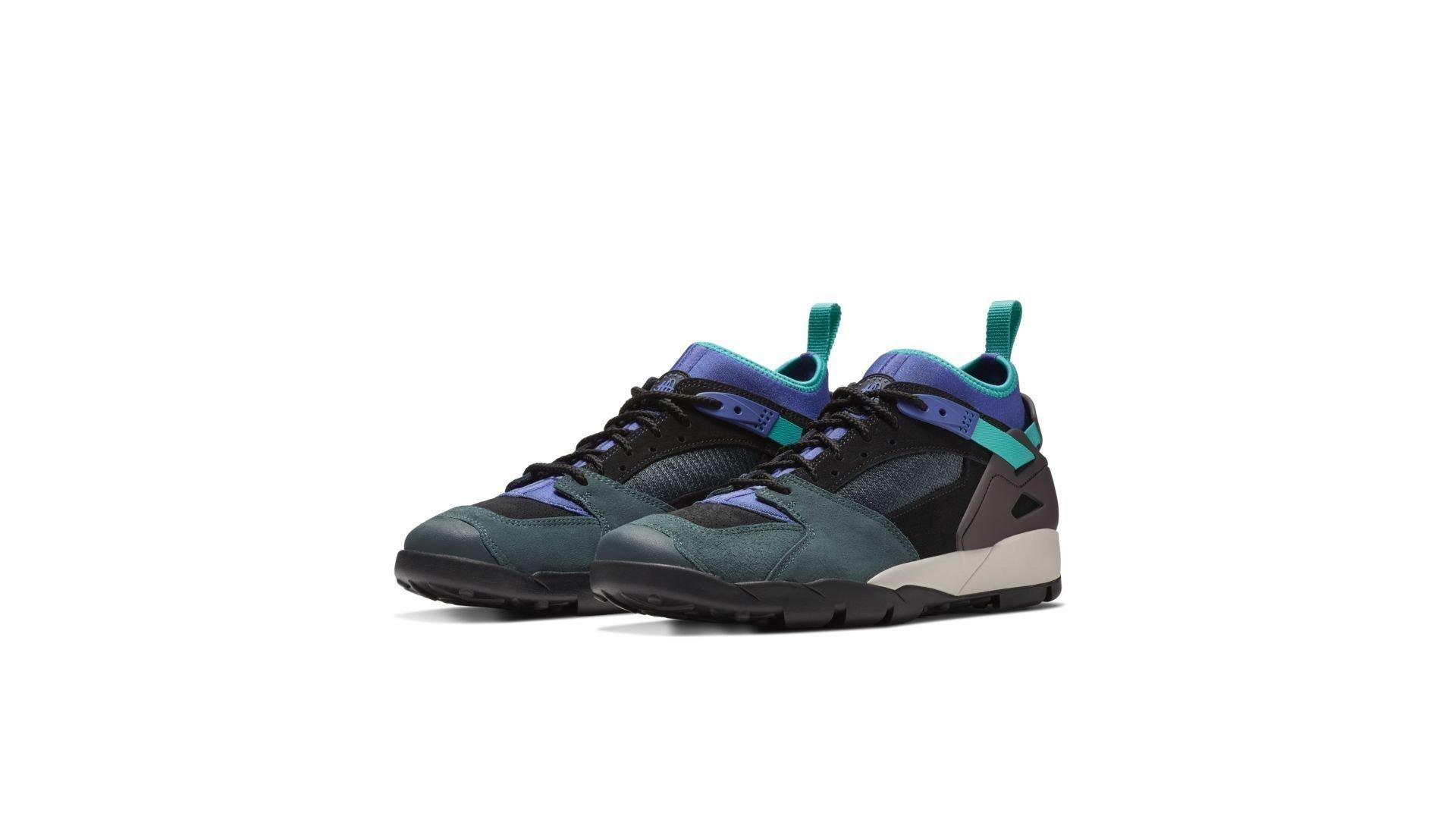 Sneaker AR0479-003