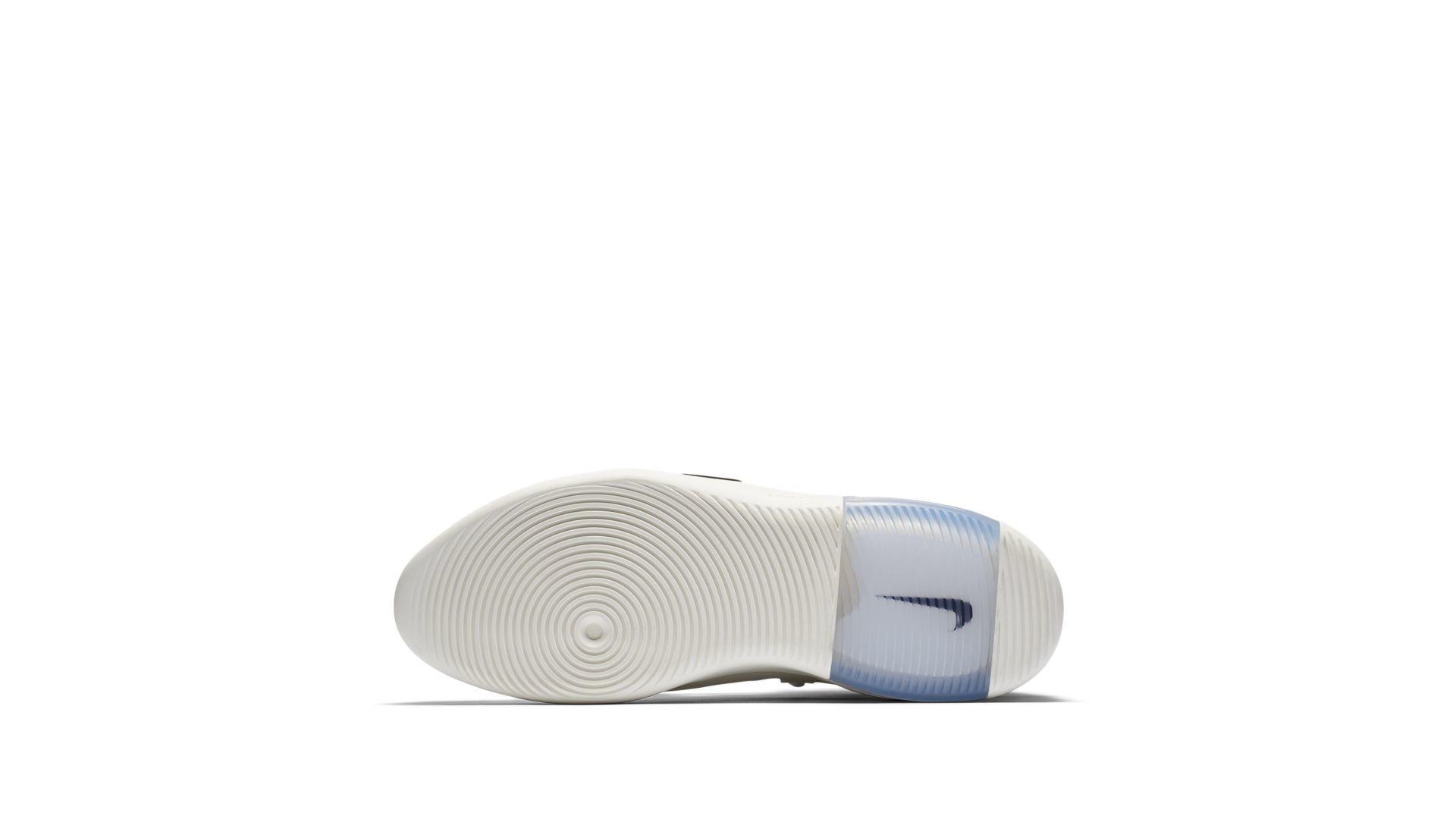 Sneaker AR4237-002