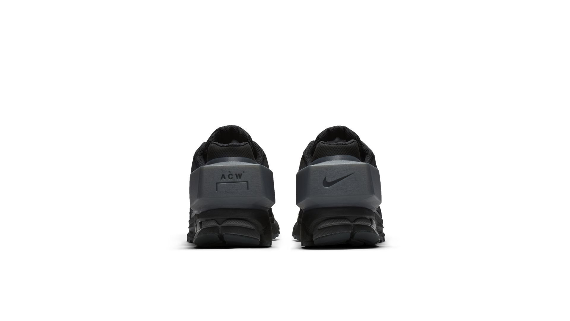 Sneaker AT3152-001