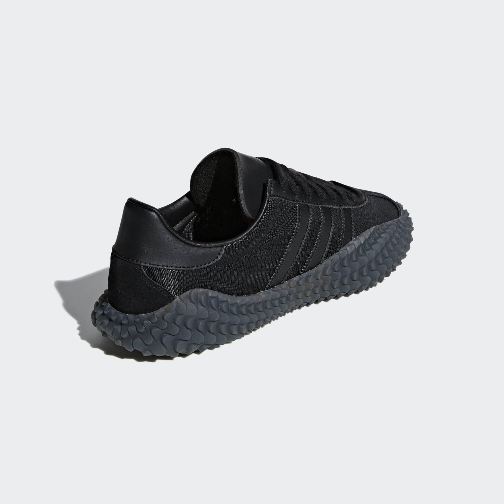 Adidas Country x Kamanda Core Black / Utility Black / Solar Red (EE3642)