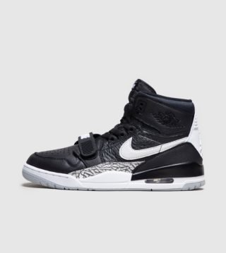 Jordan Legacy 312 (zwart)