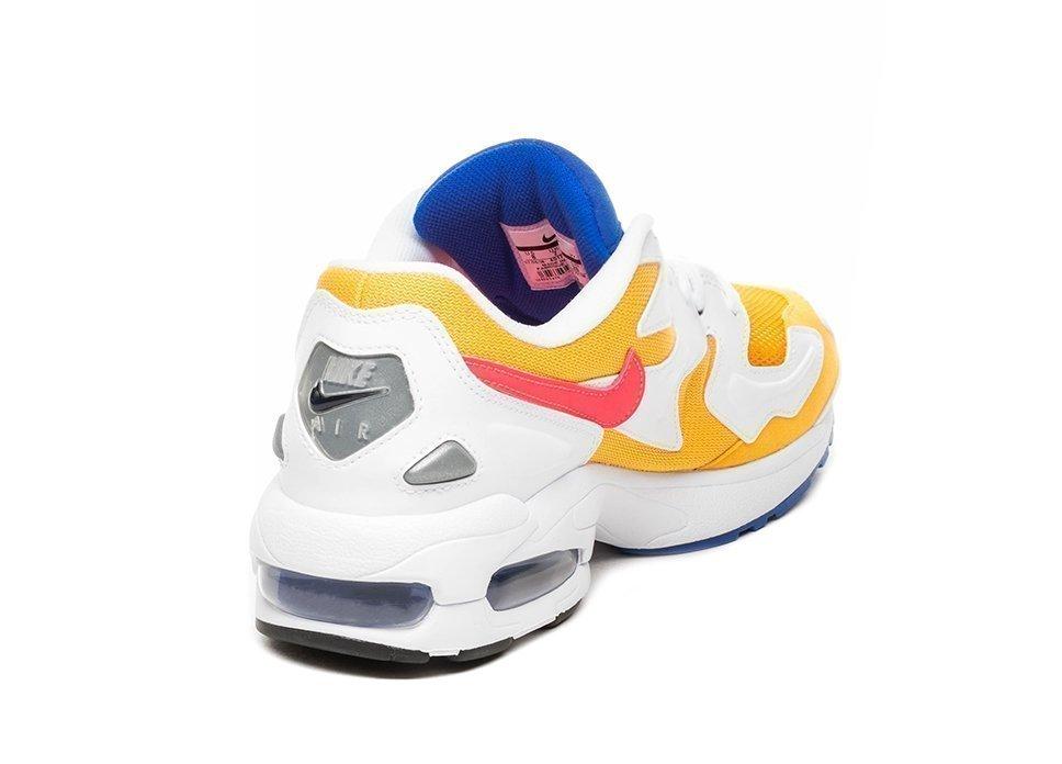 timeless design 0efe4 1d3da Nike Air Max² Light (University Gold   Flash Crimson – Racer Blue).  Stijlcode   AO1741 700. Nike ...