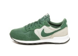 Nike Wmns Internationalist (Fir / Fir - Spruce Fog - Black)