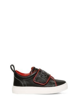 Embroidered Leather Sneakers (zwart)