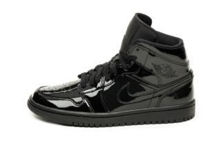 Nike Wmns Air Jordan 1 Mid (Black / Black - Black)
