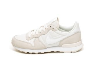 Nike Wmns Internationalist (Pale Ivory / Summit White - White)