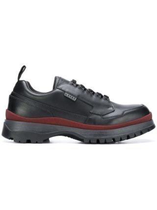 Prada stevige zool lage top sneakers (zwart)
