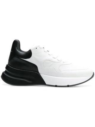Alexander McQueen Oversized runner sneakers (wit)