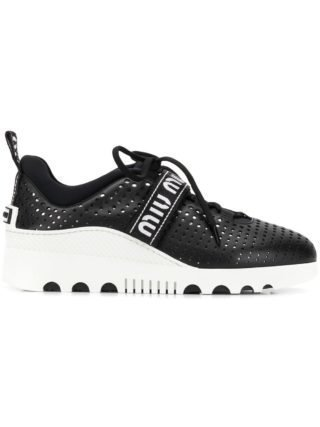 Miu Miu geperforeerde sneakers met logo (zwart)