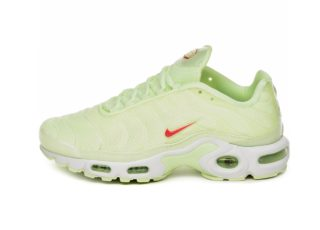 Nike Wmns Air Max Plus TN SE (Barely Volt / Red Orbit)
