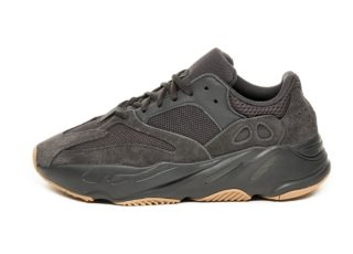 adidas x Kanye West Yeezy Boost 700 (Utility Black / Utility Black / U