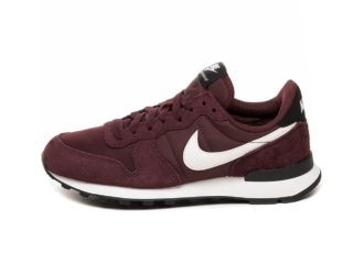 Nike Wmns Internationalist (Burgundy Crush / Summit White - Black)
