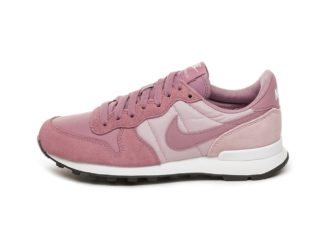 Nike Wmns Internationalist (Plum Dust / Plum Dust - Plum Chalk - Black