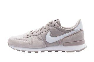 Nike Internationalist Wmns (paars/wit)