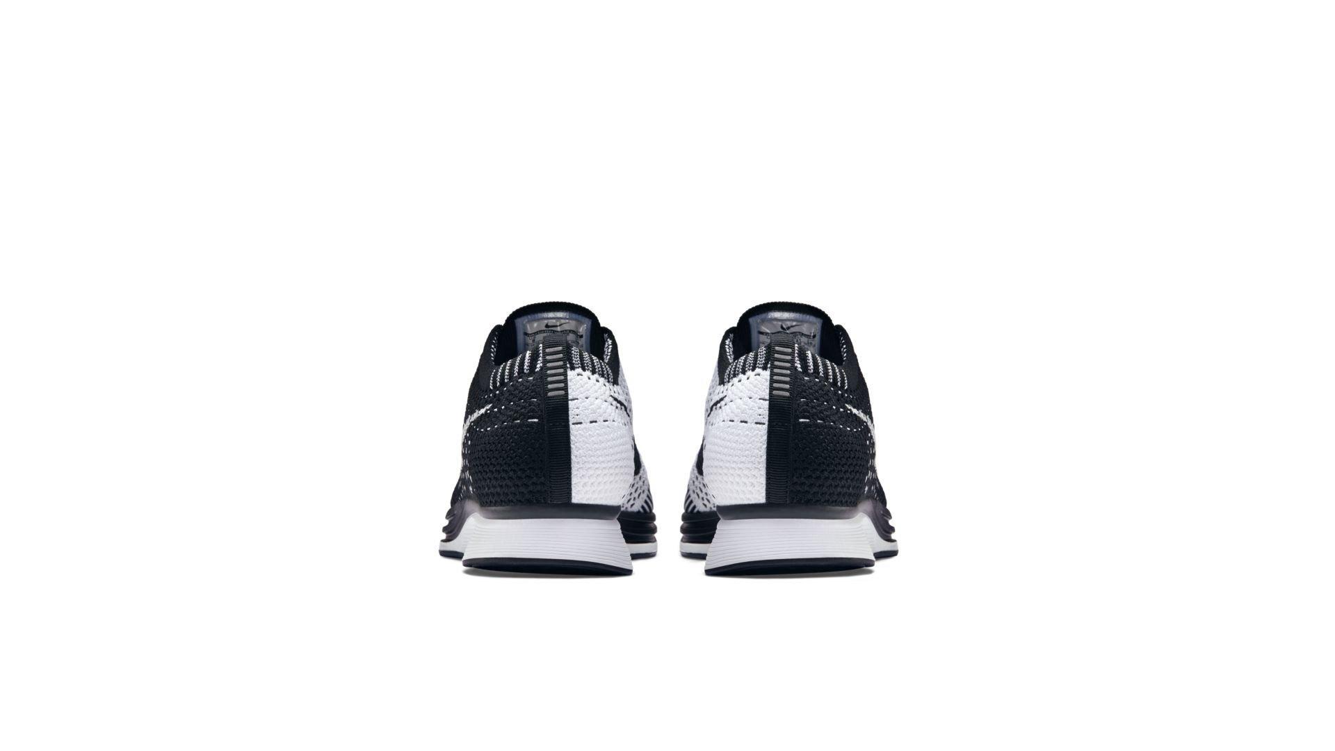 Nike Flyknit Racer Black Tongue (526628-002)