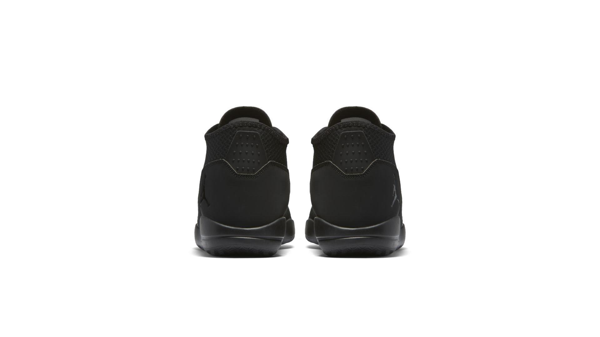 Jordan Reveal Triple Black (834064-020)