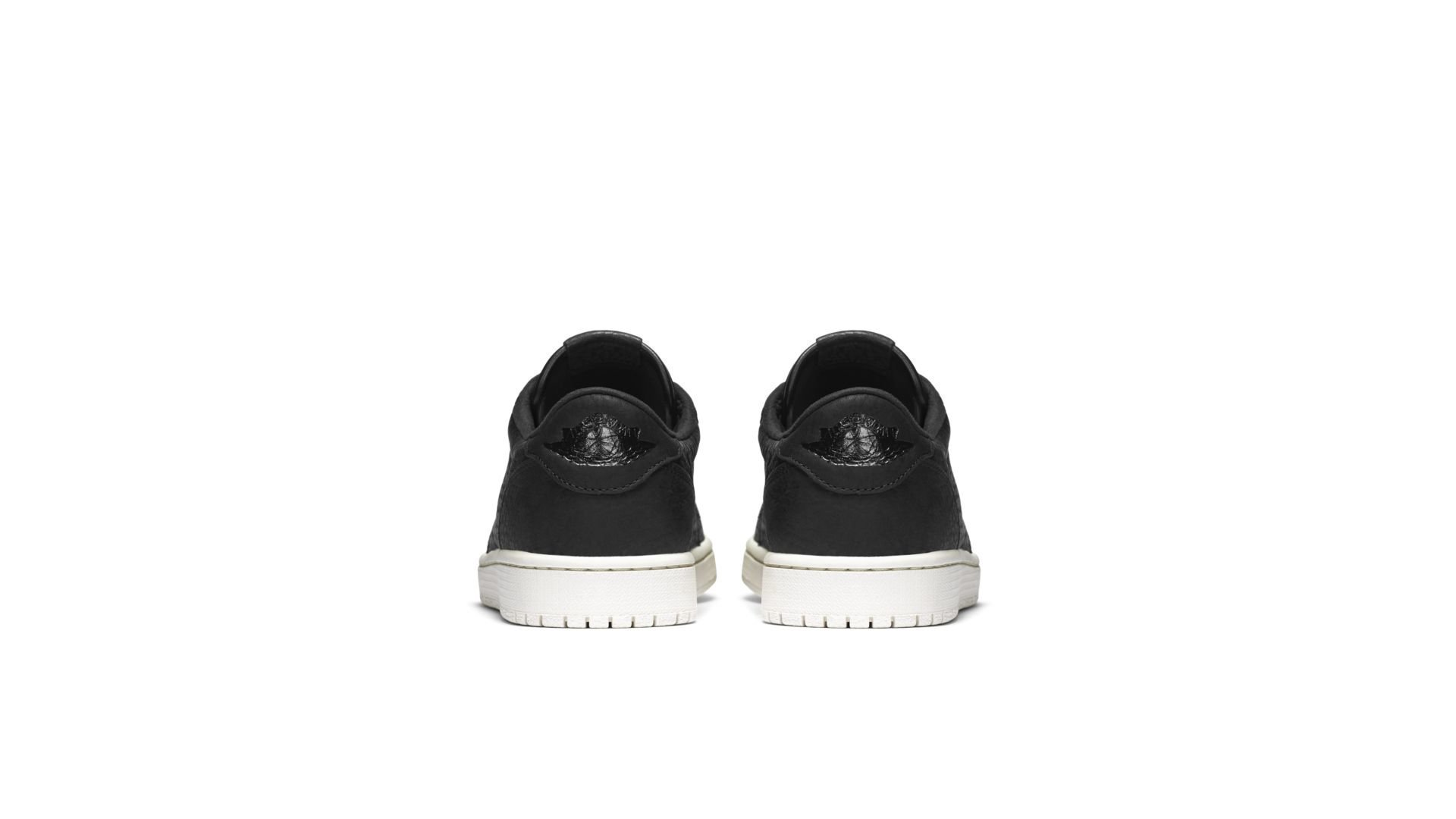 Jordan 1 Retro Low Swooshless Black (848775-005)