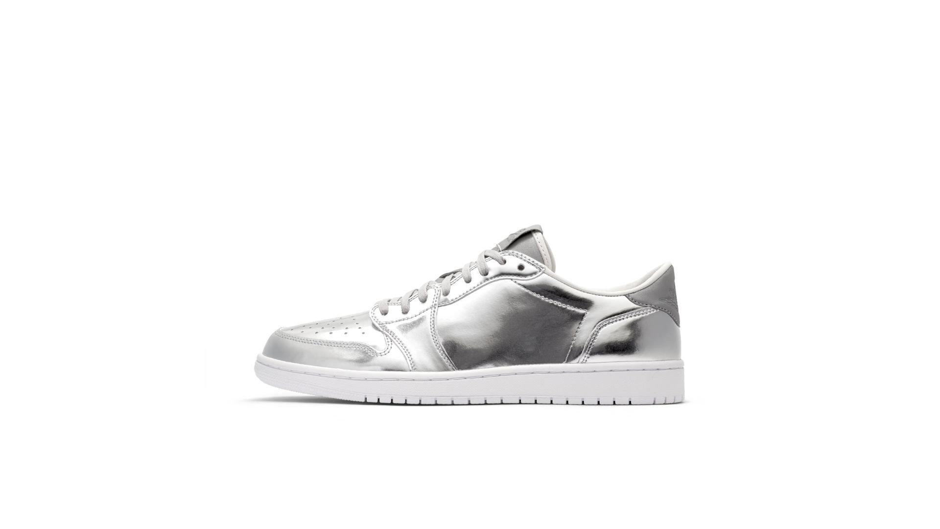 Jordan 1 Retro Low Pinnacle Metallic Silver (852549-003)