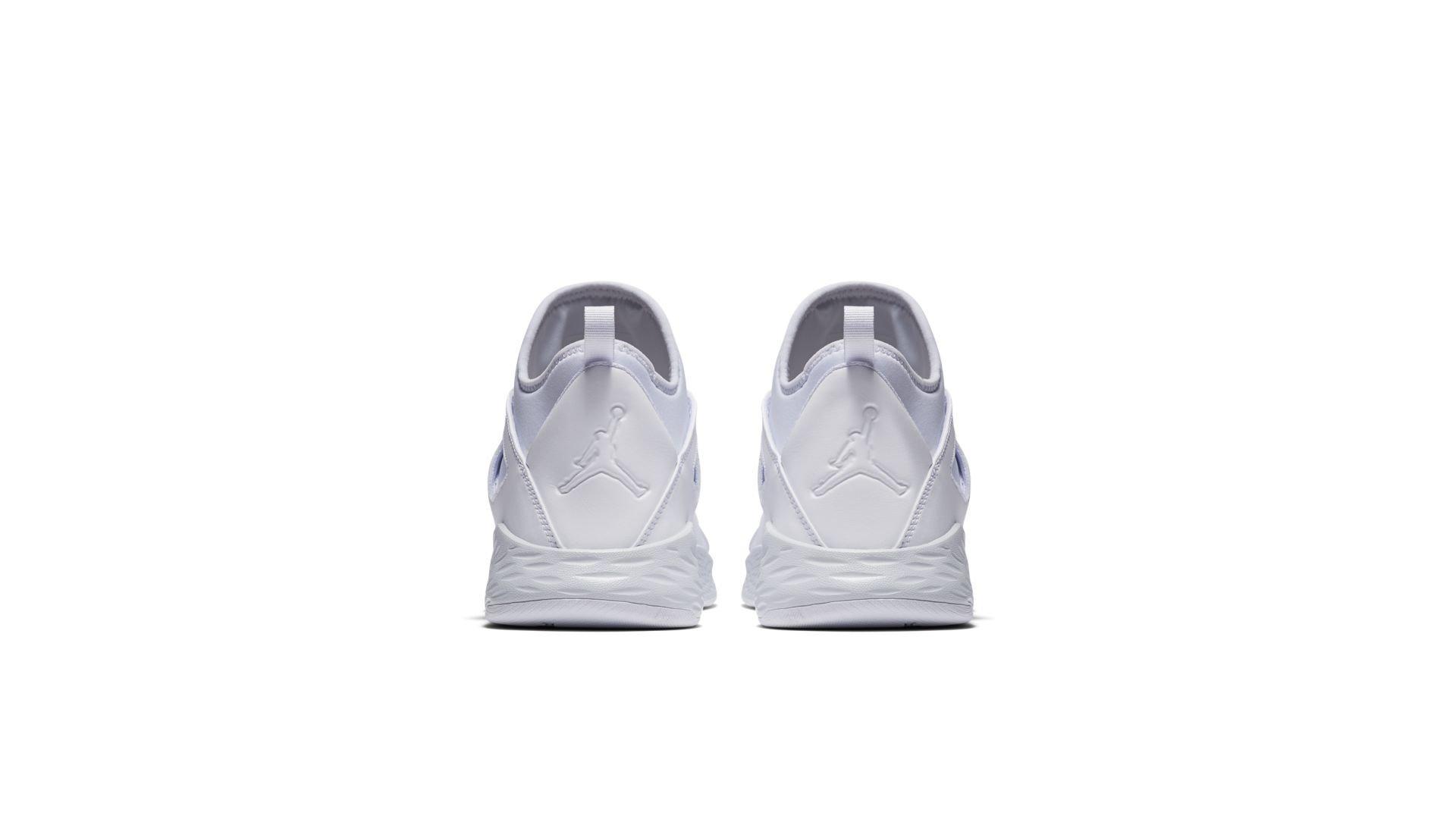 Jordan Formula 23 White Pure Platinum (881465-120)