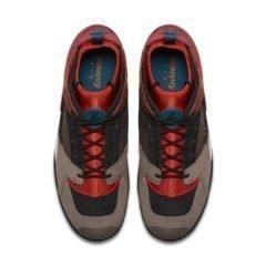 Sneaker AR0479-600