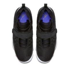 Sneaker AR0772-001