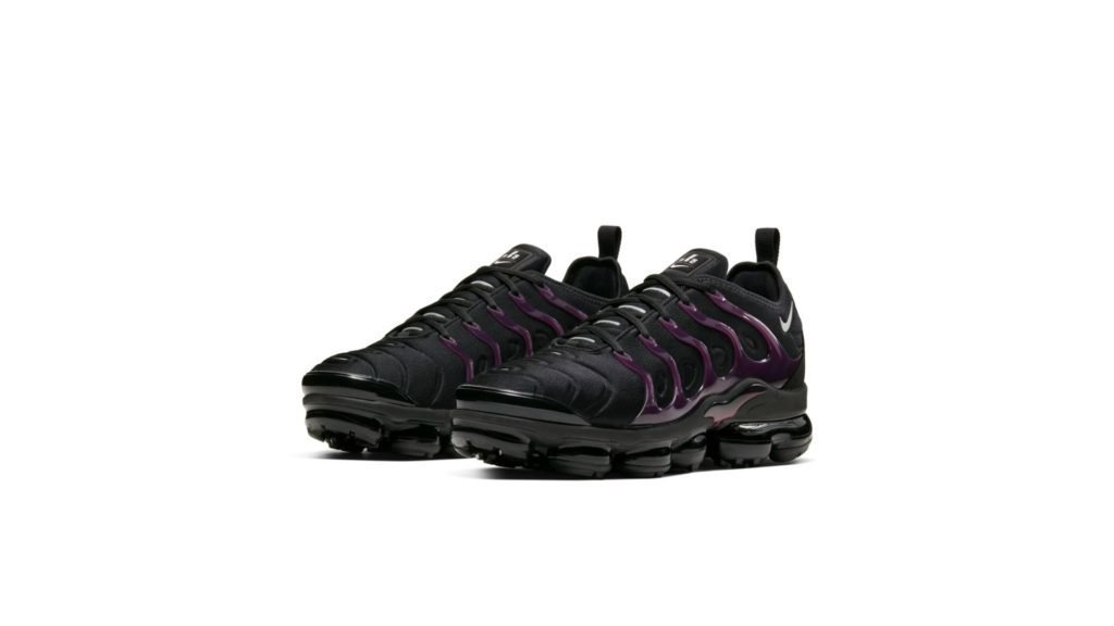 Air VaporMax Plus Black Noble Red